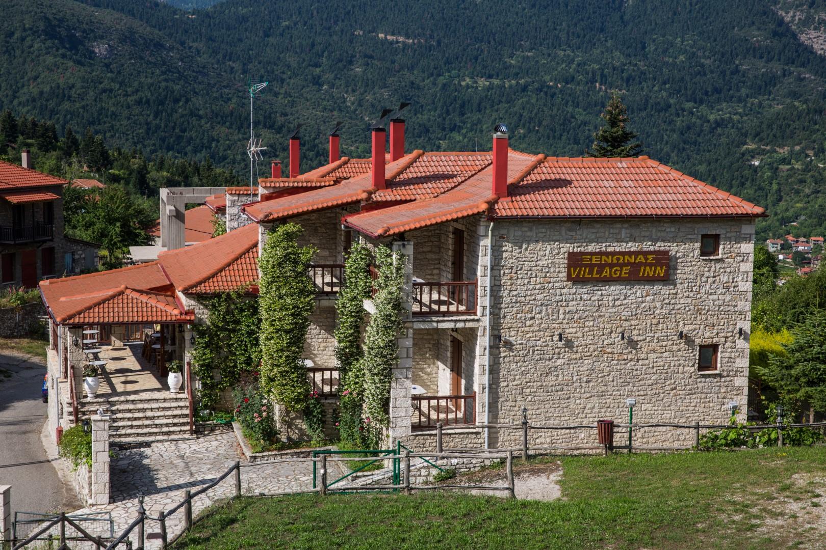 Village Inn - Ορεινή Ναυπακτία ✦ 3 Ημέρες (2 Διανυκτερεύσεις) ✦ 2 άτομα + 1 παιδί έως 6 ετών ✦ Πρωινό ✦ έως 30/04/2022 ✦ Πανέμορφη Τοποθεσία!