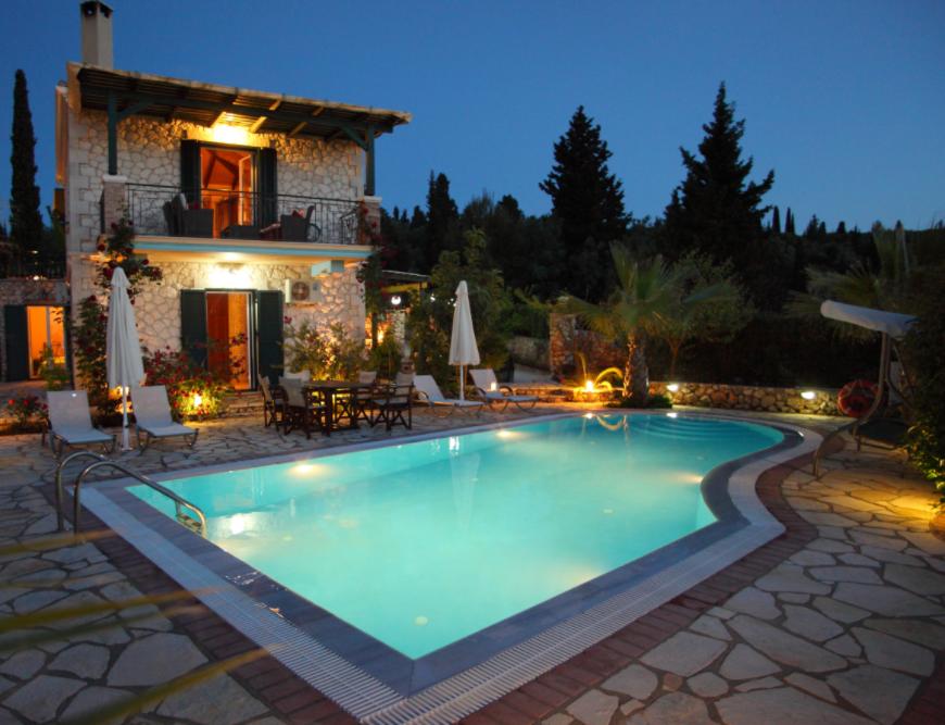 Villas Goudis - Λευκάδα ✦ -20% ✦ 2 Ημέρες (1 Διανυκτέρευση) ✦ 5 άτομα ✦ Χωρίς Πρωινό ✦ 01/07/2021 έως 15/07/2021 ✦ Υπέροχη Τοποθεσία!