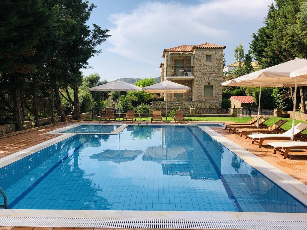 Villas Lithos - Στούπα, Μεσσηνία ✦ -37% ✦ 3 Ημέρες (2 Διανυκτερεύσεις) ✦ 4 άτομα ✦ Χωρίς Πρωινό ✦ 01/07/2021 έως 31/07/2021 ✦ Υπέροχη Τοποθεσία!